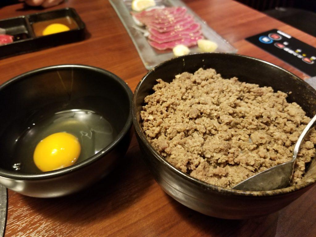 匠家33熟成肉の丼ぶりと生卵