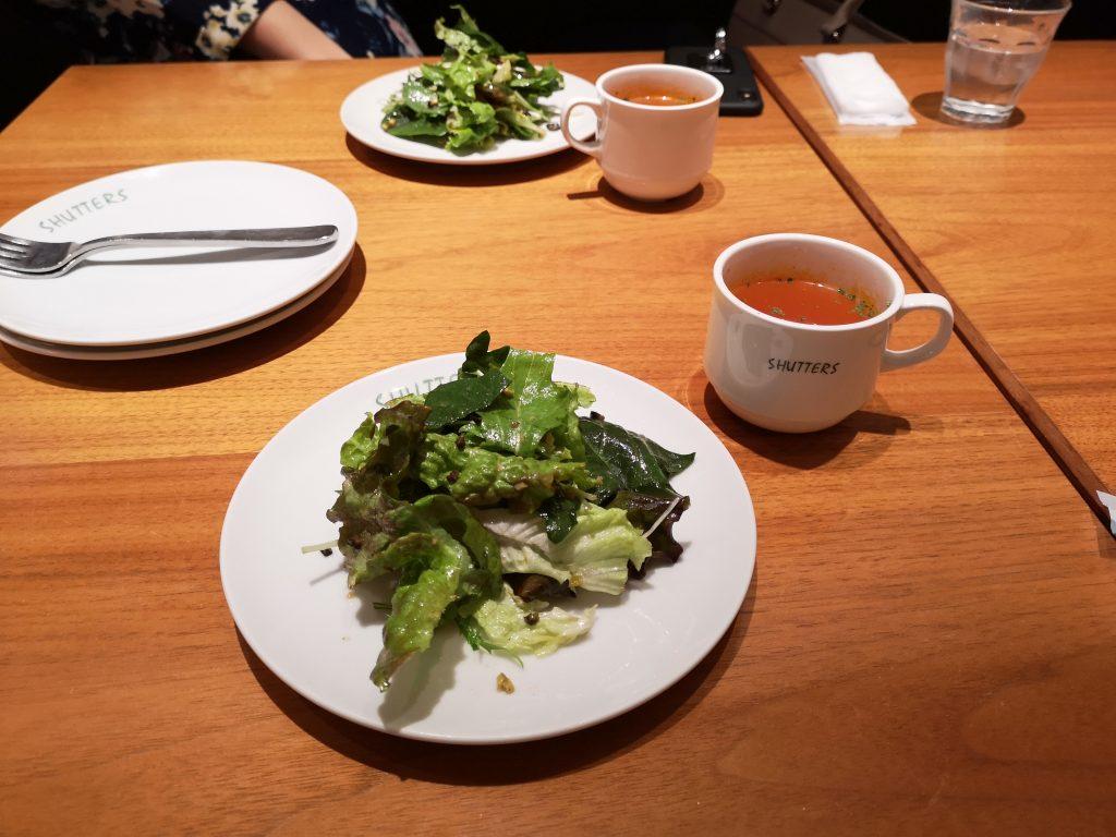 シャッターズ横浜ルミネのランチ【サラダ】