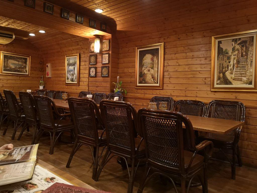 ギリシャ料理&バー OLYMPIA (オリンピア) の店内