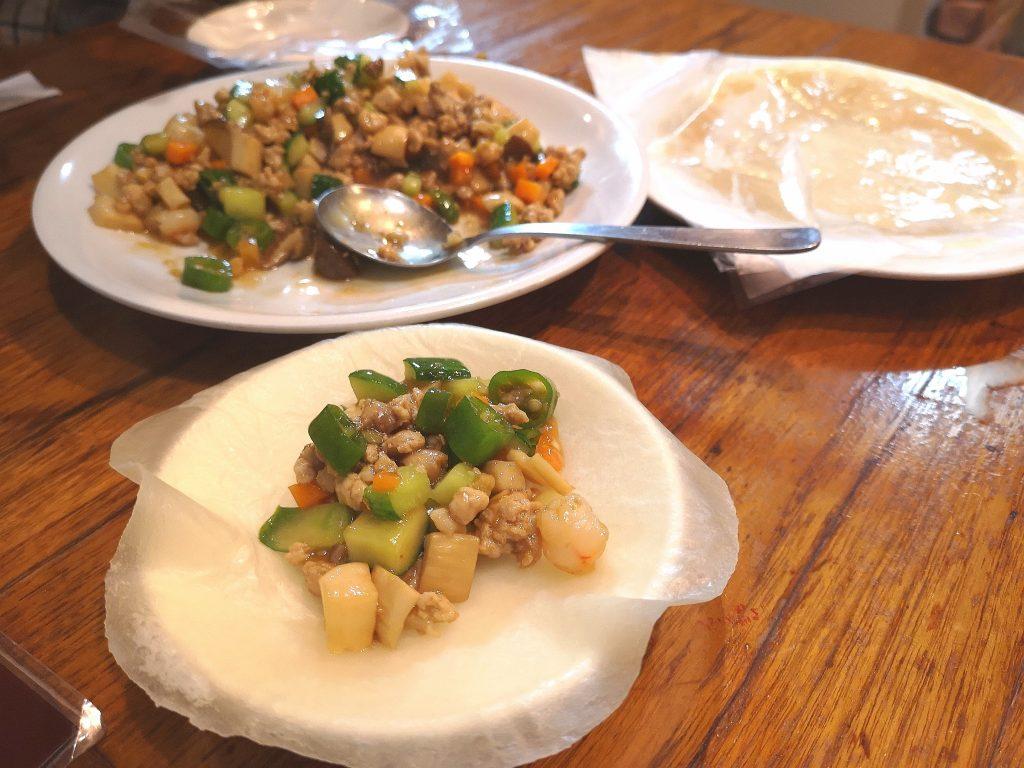 東北人家-豚肉エビ野菜炒め春餅セット