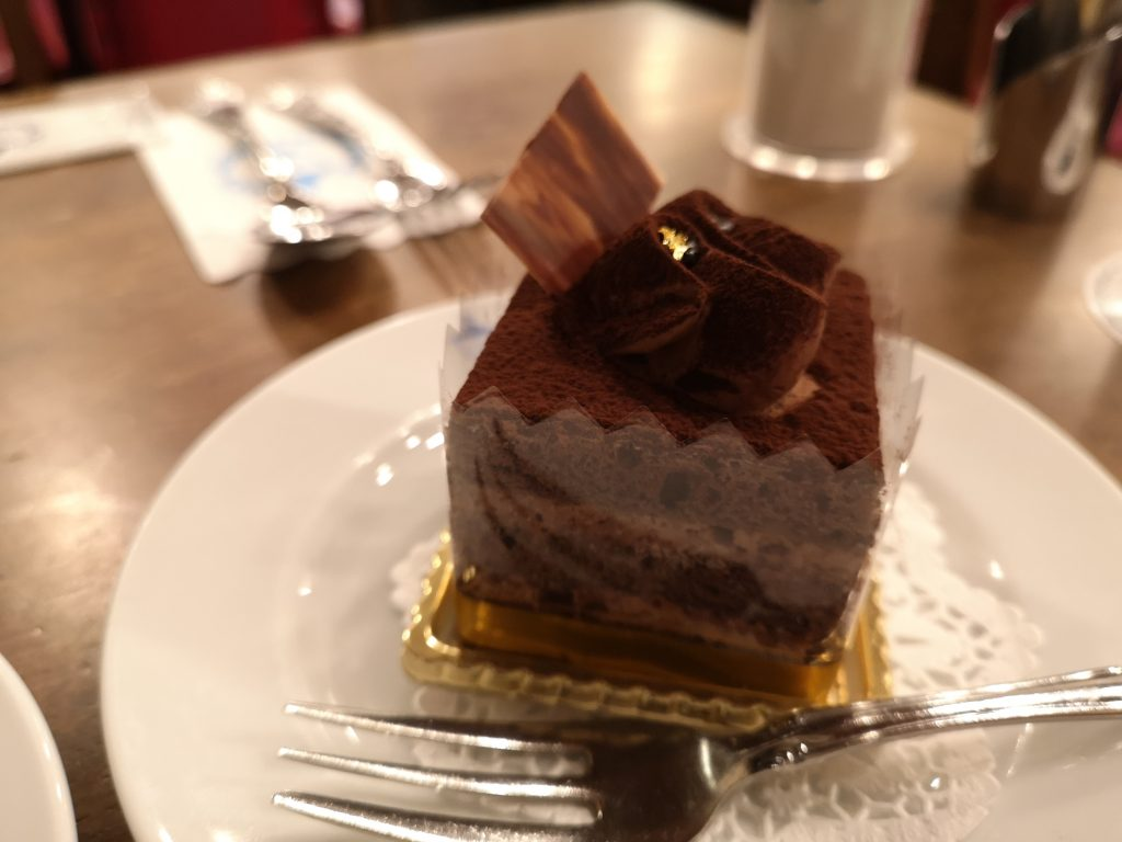 馬車道十番館_チョコケーキ