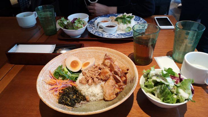 横浜駅近モアーズでA&P with terrace女子会エスニックランチ