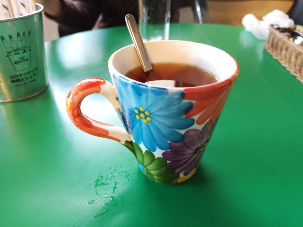 ジャックカフェの紅茶のカップ可愛い