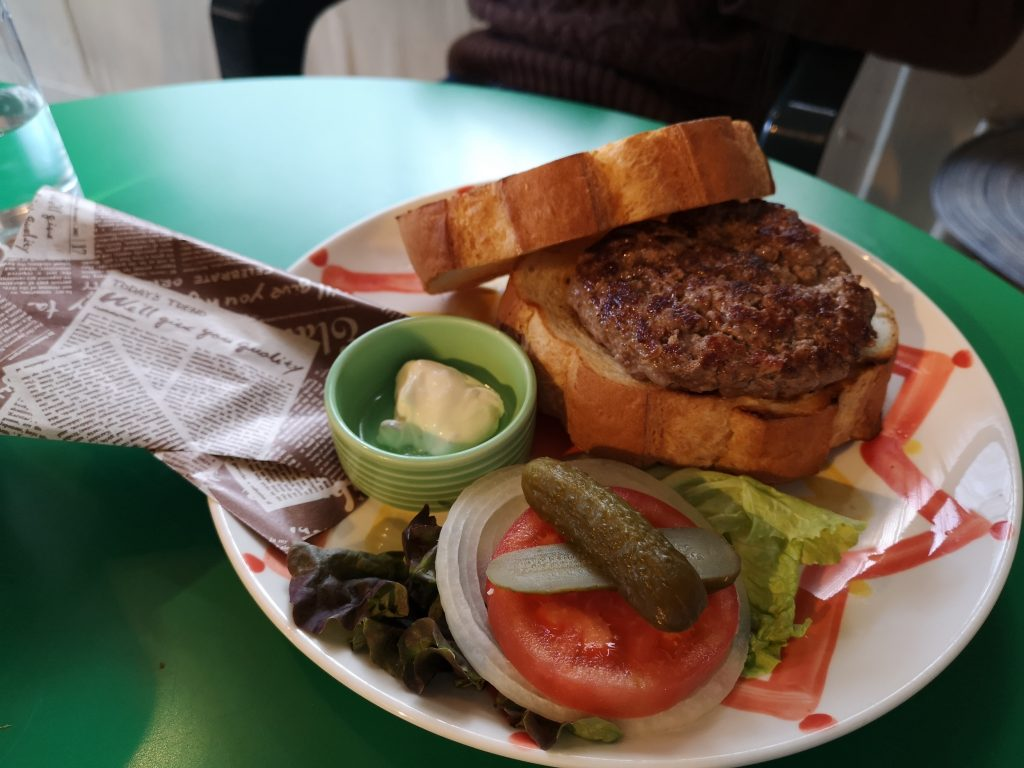 ジャックカフェのハンバーガー