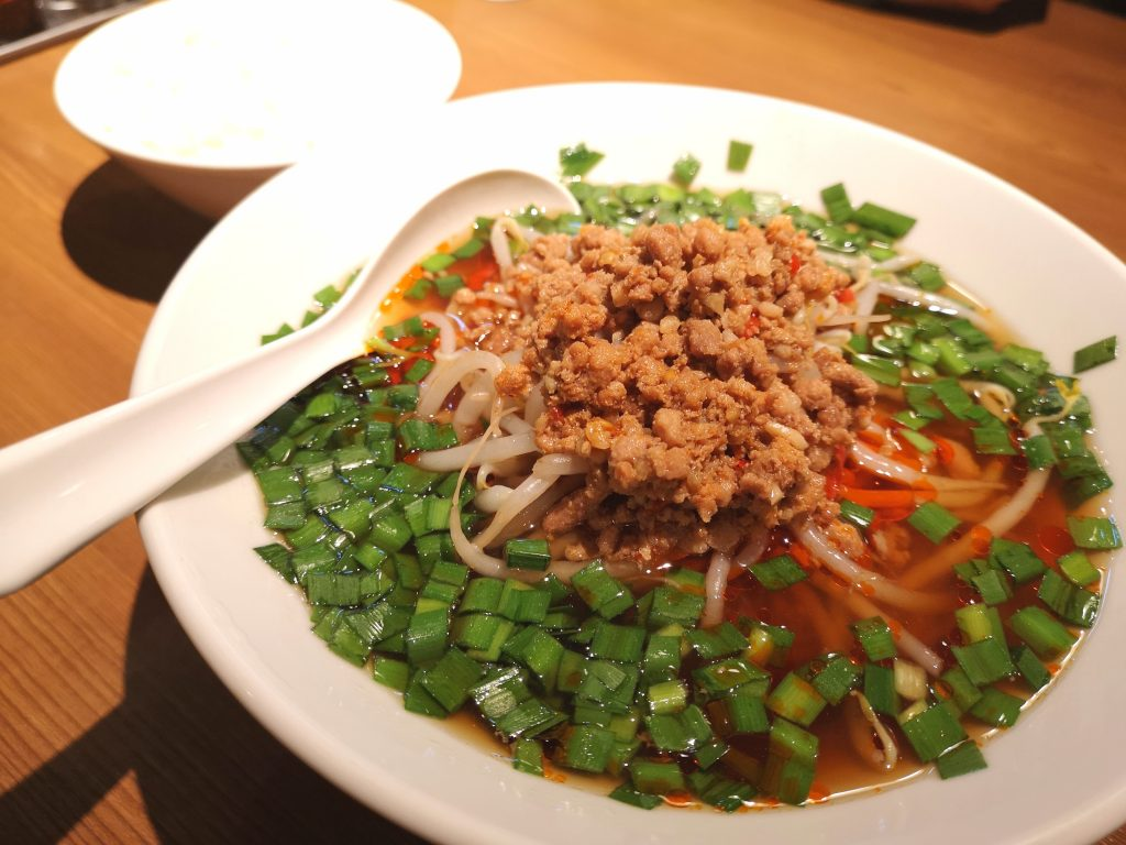 関内餃子軒メニュー_台湾ラーメン(細麺)