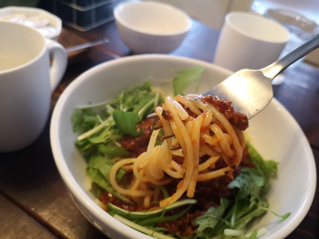 JPASTA横浜元町本店の亜細亜風ミートソースの生パスタ麺