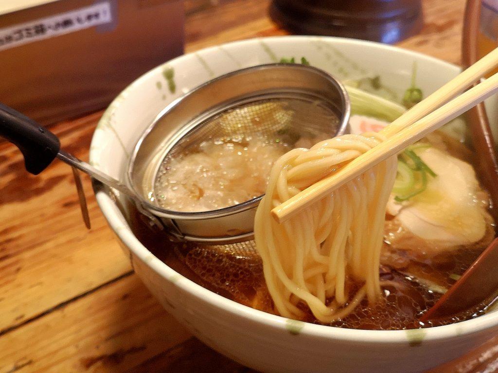 G麺7ラーメン追い鶏節ラーメン正油の麺
